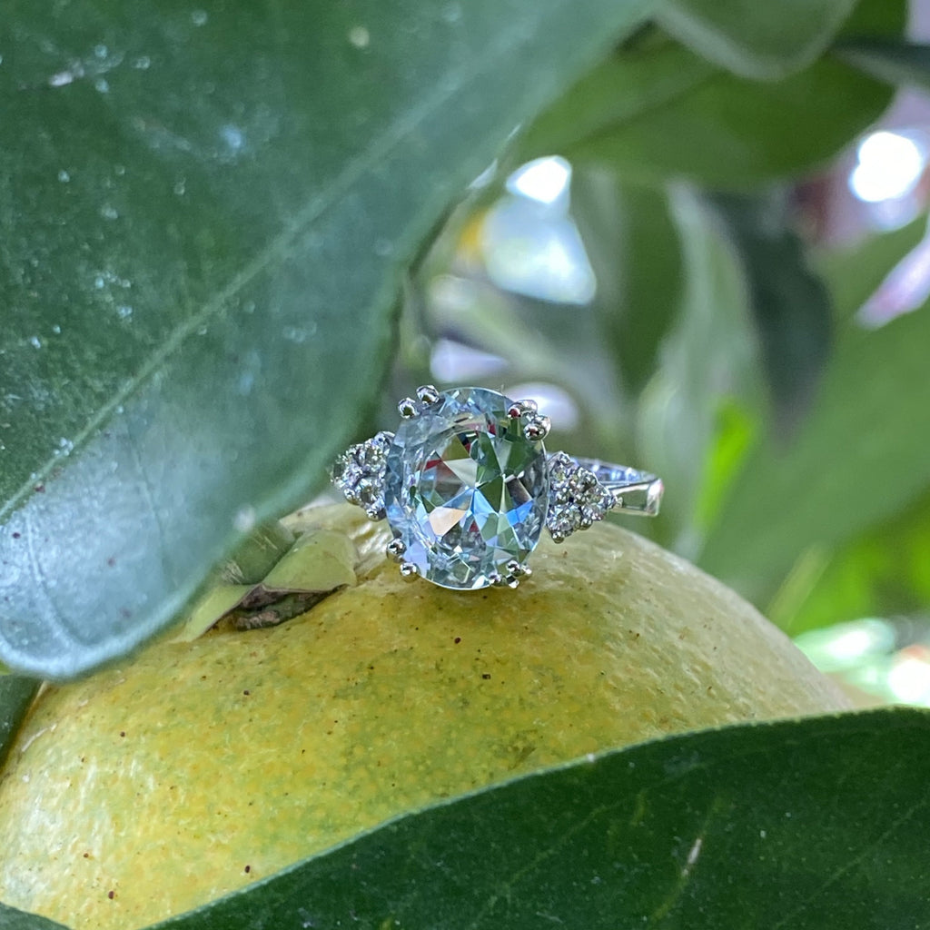 4.00 Carat Oval Aquamarine and Diamond Ring