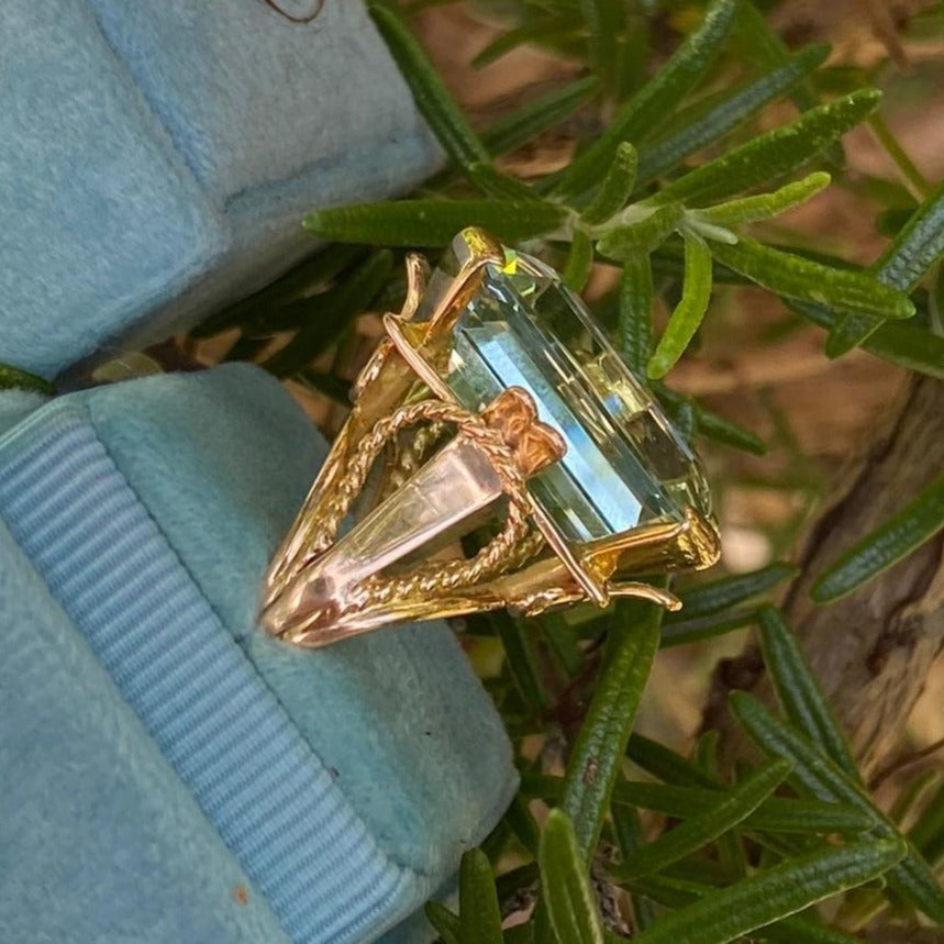 25 Carat Vintage Aquamarine Ring in 18ct Yellow Gold