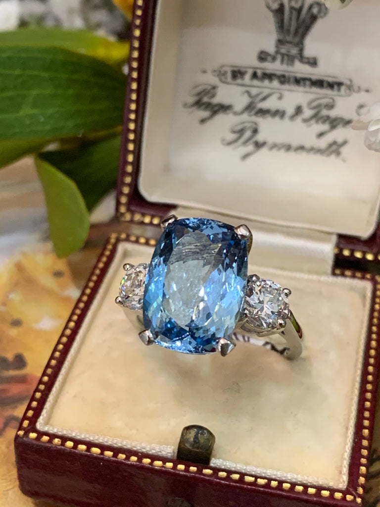 Magnificent 6.40ct Aquamarine and 1.16ct Diamond Ring