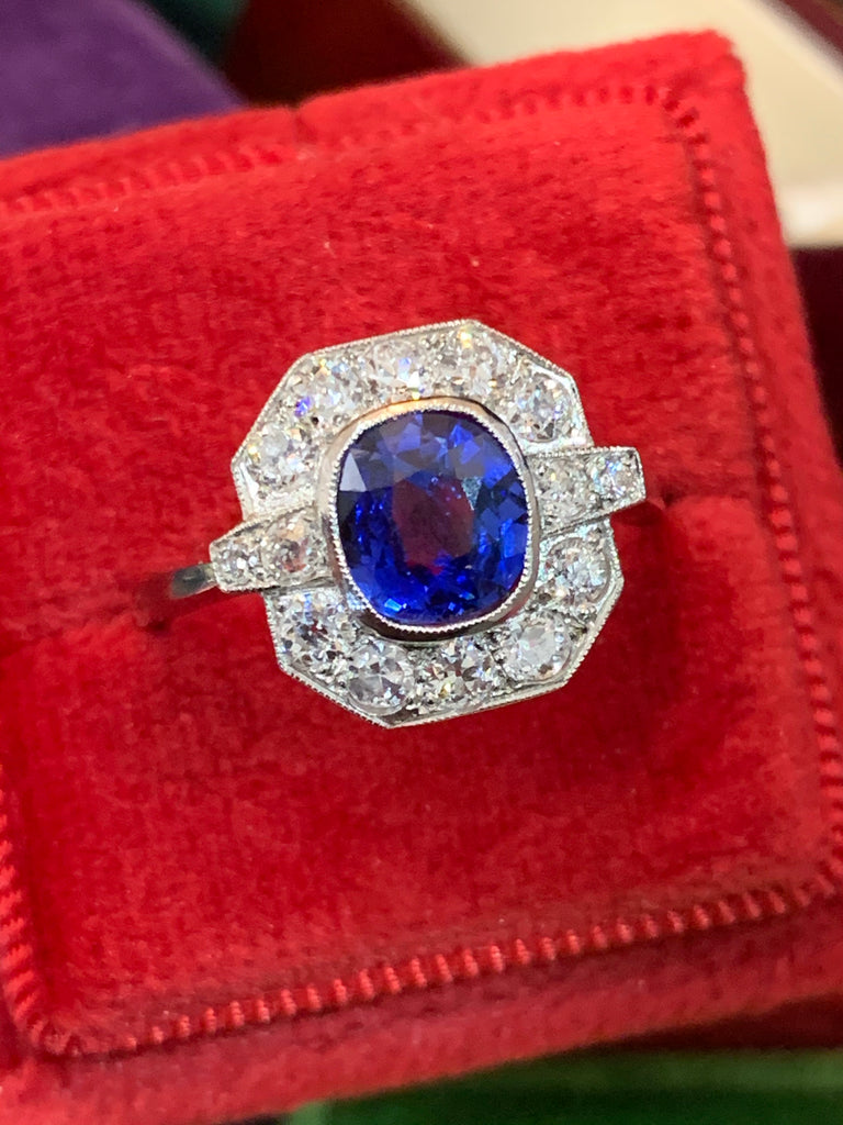 Stunning Sapphire and Diamond Cluster Ring
