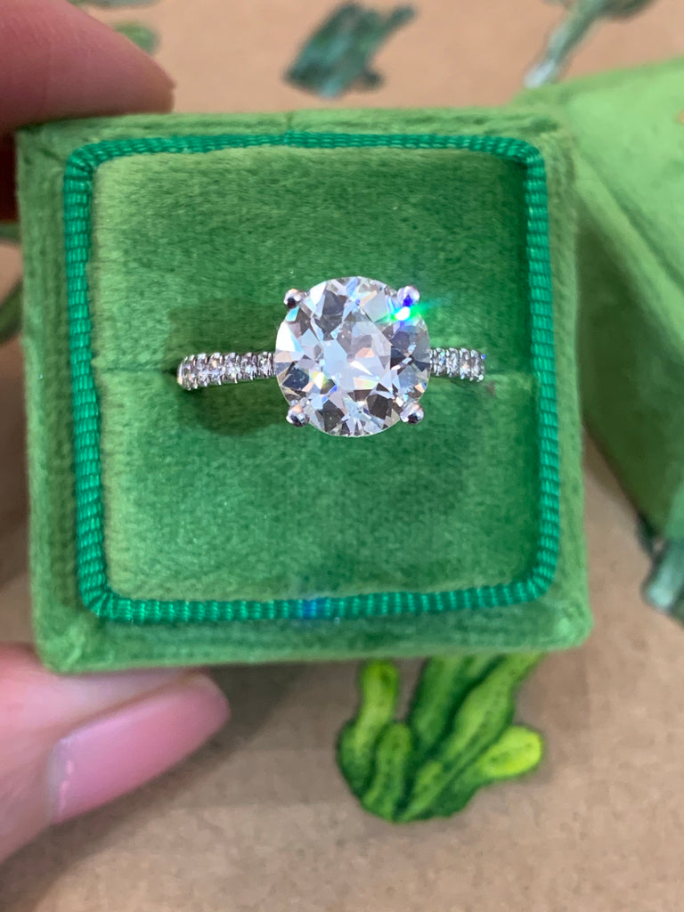 Exquisite 2.60ct + 0.25ct Solitaire Engagement Ring