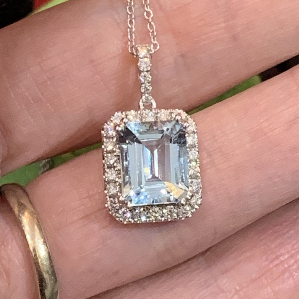 2.58 Aquamarine and Diamond Necklace in 18K White Gold