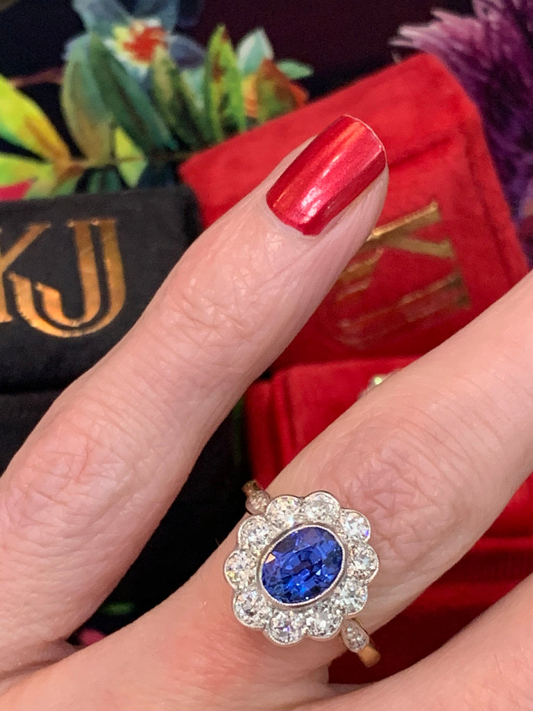 Breathtaking Sapphire and Diamond Ring