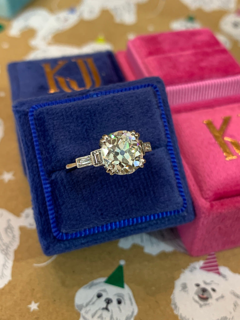 Exquisite 2.94ct + 0.25ct Solitaire Engagement ring