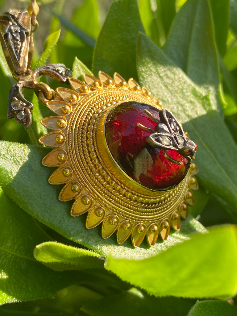 Antique Cabochon Garnet Necklace in 18ct Yellow Gold