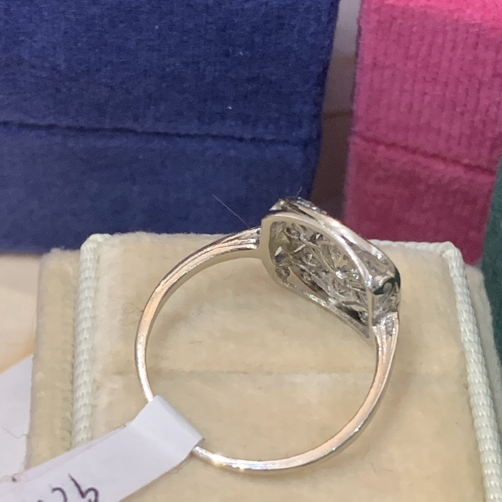 0.75 Carat Diamond Art Deco Ring in Platinum