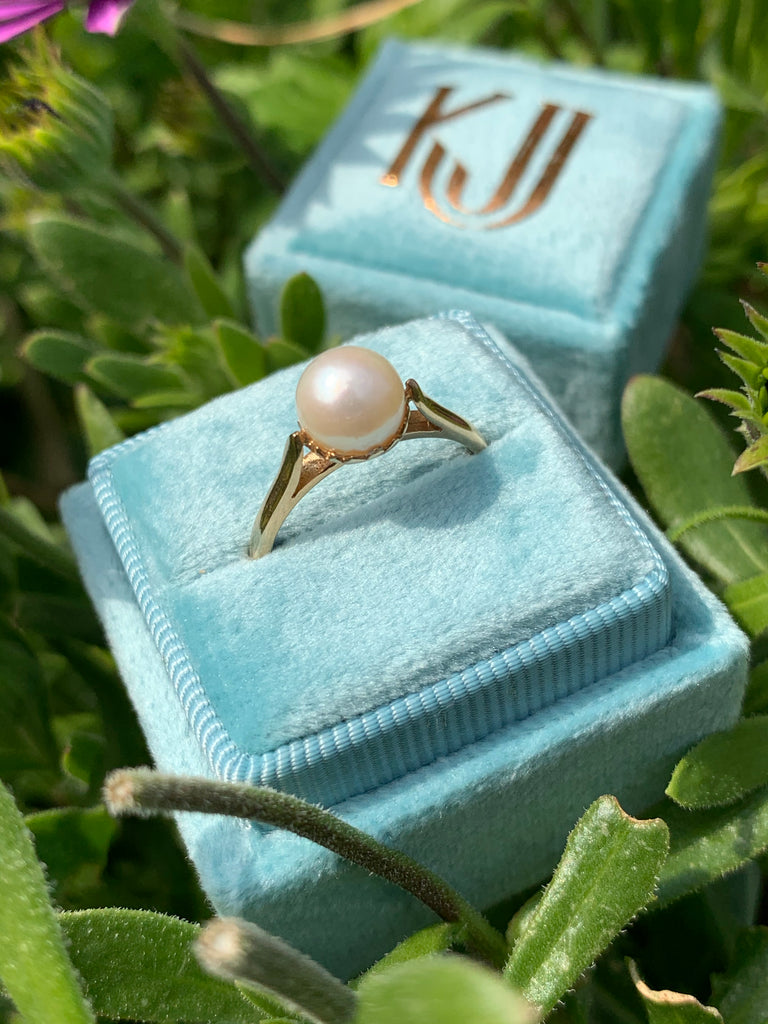 Lovely Pearl Ring