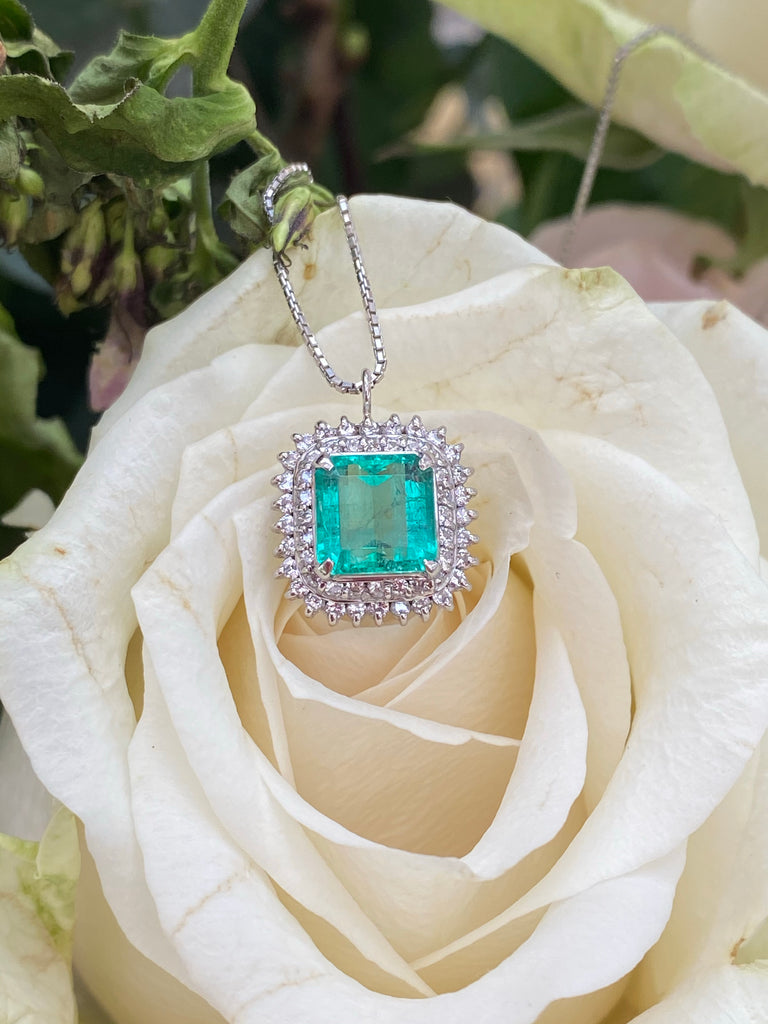 1.90 Carat Colombian Emerald and Diamond Halo Pendant Necklace in Platinum