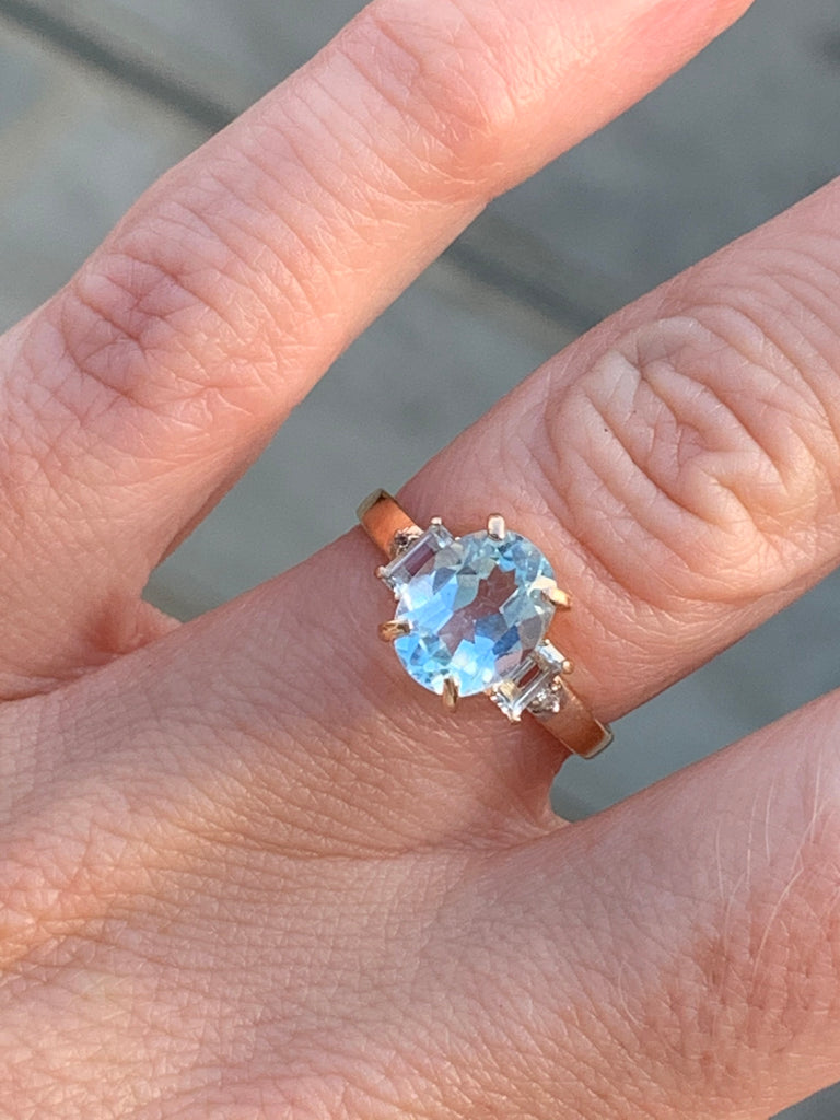 1.75 Carat Aquamarine and Diamond Ring in 14K Yellow Gold