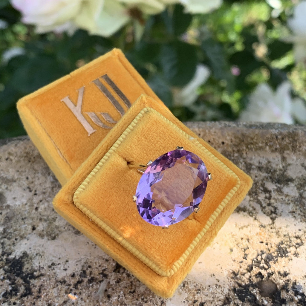 Vintage Amethyst and Yellow Gold Ring