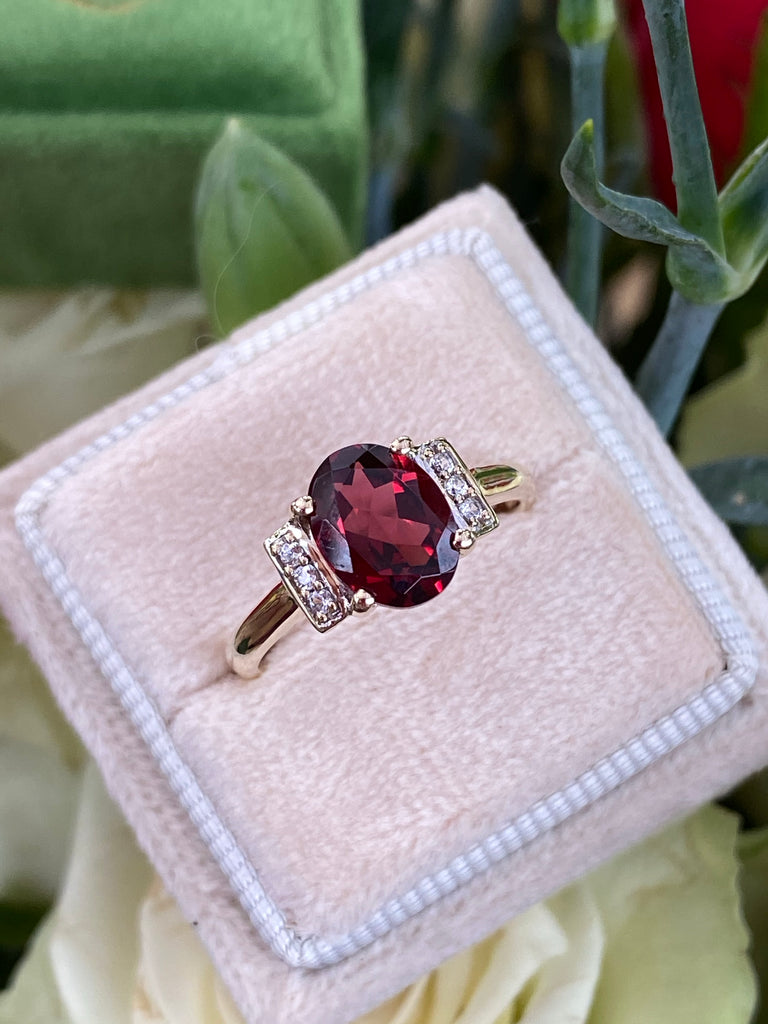 Beautiful Garnet and Diamond Ring
