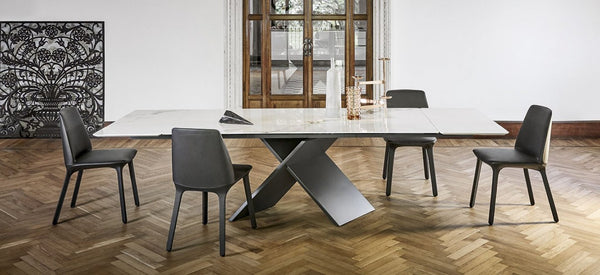 AX Extendable Dining Table
