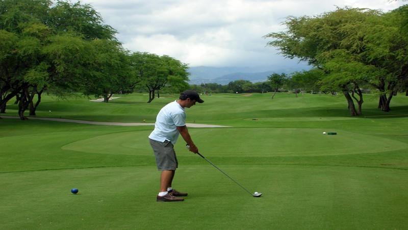 Ewa Beach Golf Club  tee off