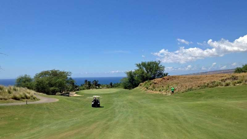 Driving on the 6th hole at Hapuna Golf Course in Waikoloa