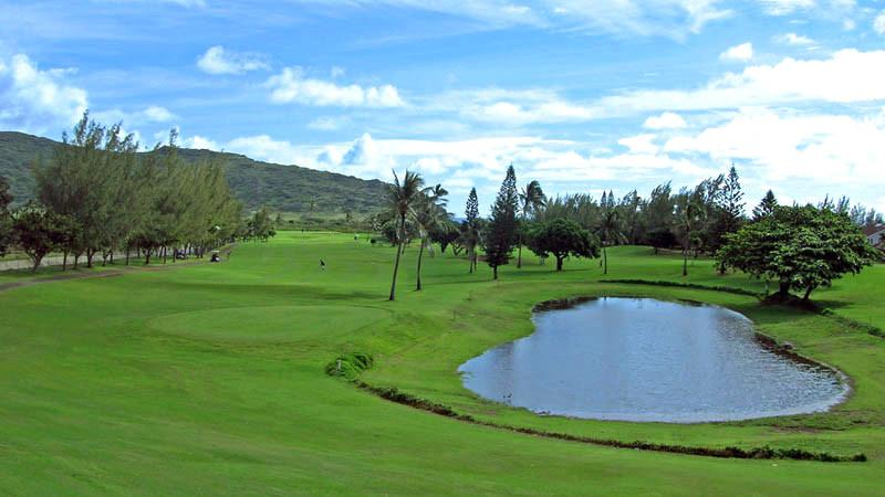 Hawaii Kai Golf Course lake