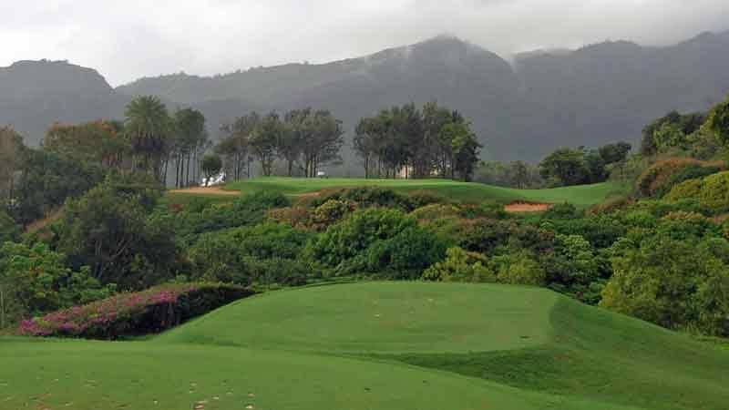 The 5th hole at Hokuala must fly over a jungle below