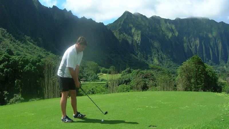 Ko'olau Teeing off in the mist on the 10th hole