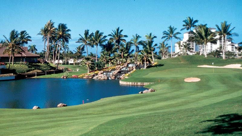 Ko Olina Golf Oahu beautiful finishing hole and clubhouse