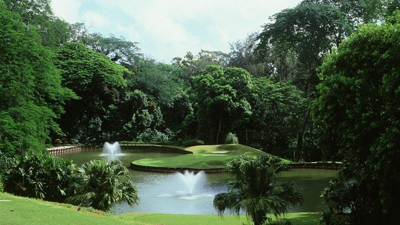 Royal Hawaiian Golf Club  Pond Hole #2