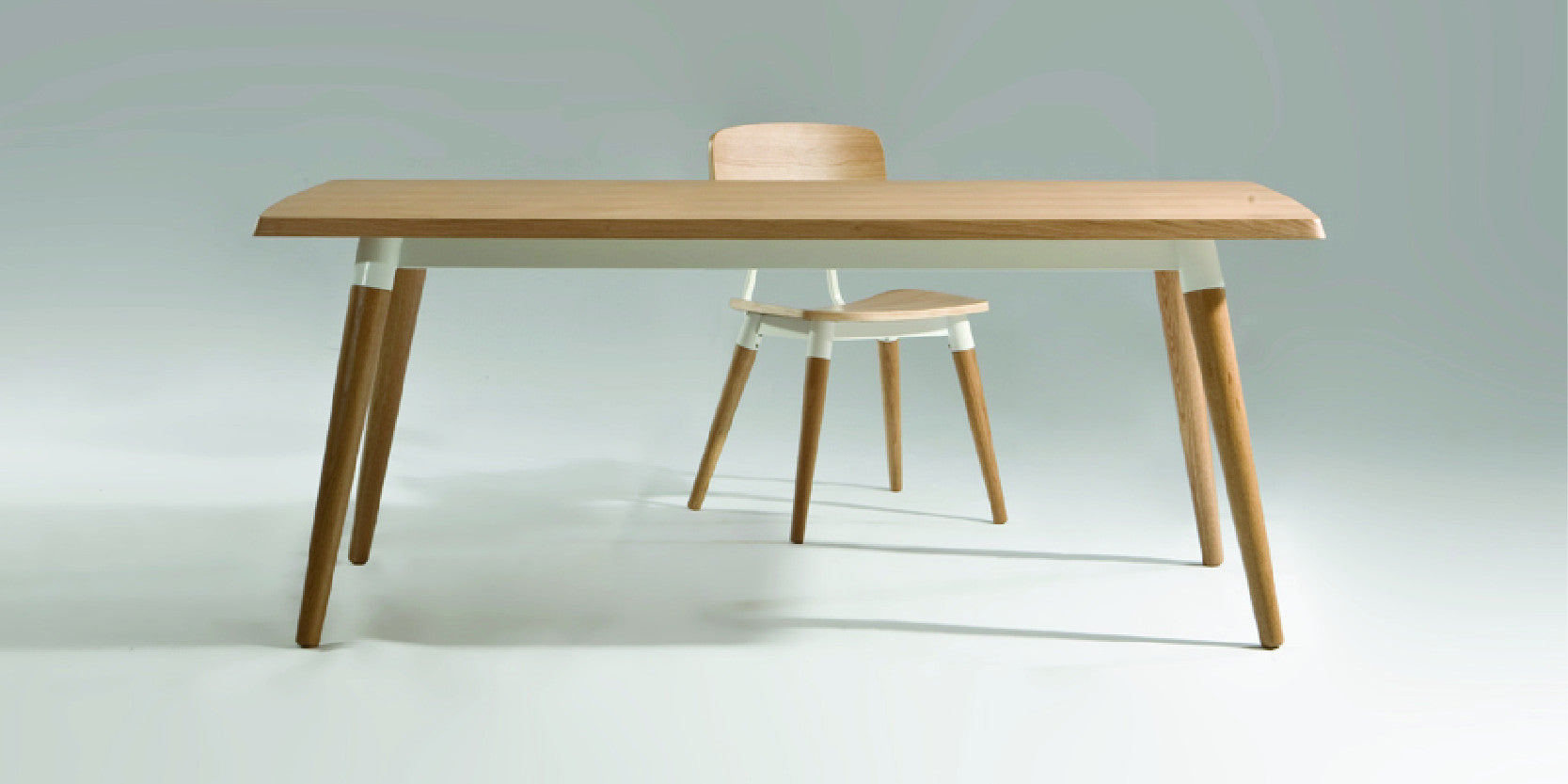 Sean Dix® Dining Tables