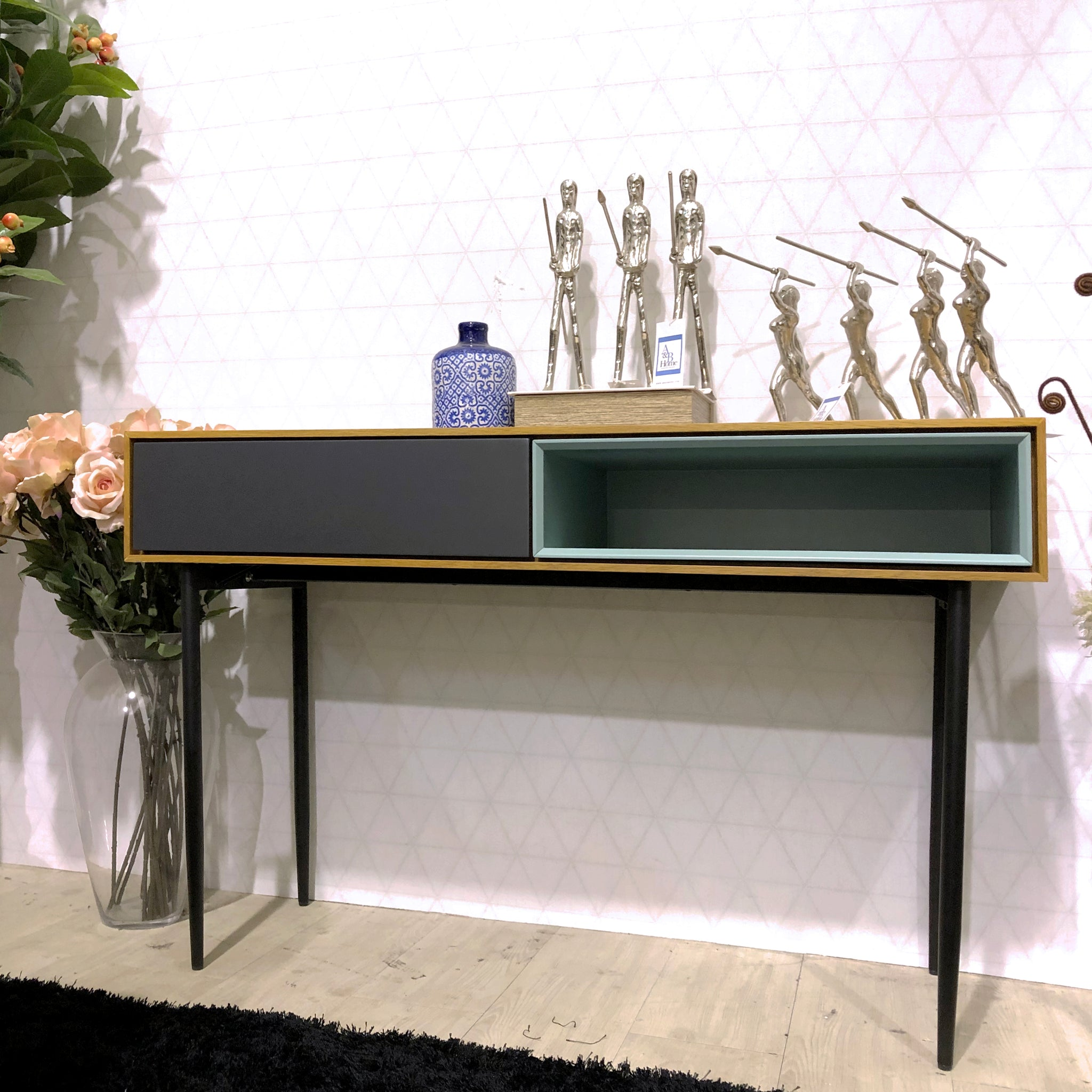 Picture of: Bess 1 Drawer Console Table In White Oak Picket Rail Singapore S No 1 Premium Solid Wood Furniture Custom Lifestyle Retailer