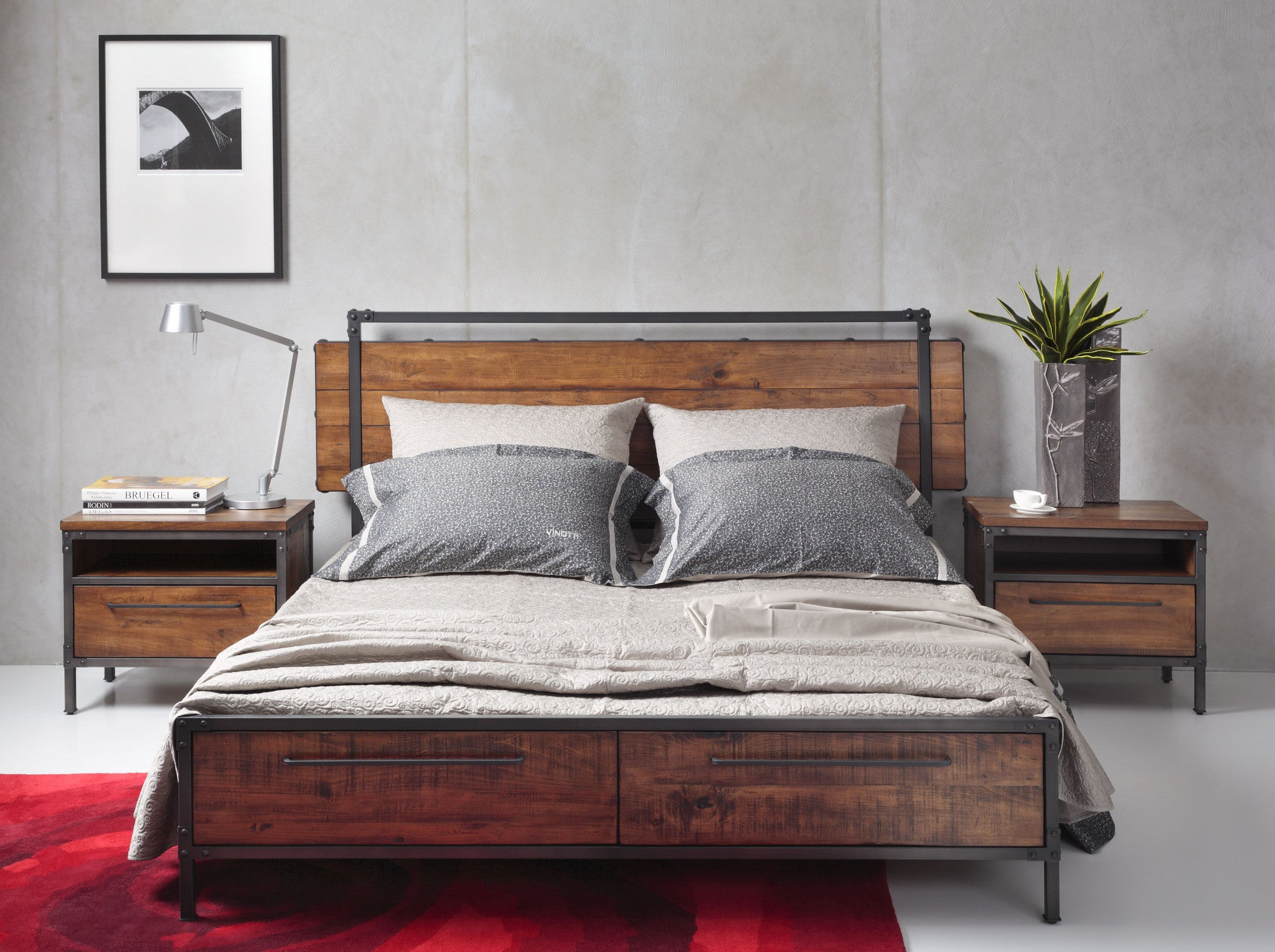 CHICAGO Solid Wood Queen Bed with Drawers