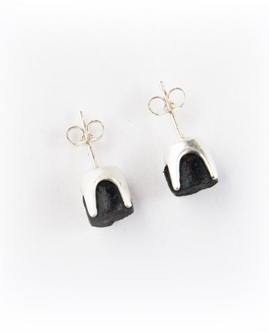 MANUS EARRINGS 9MM