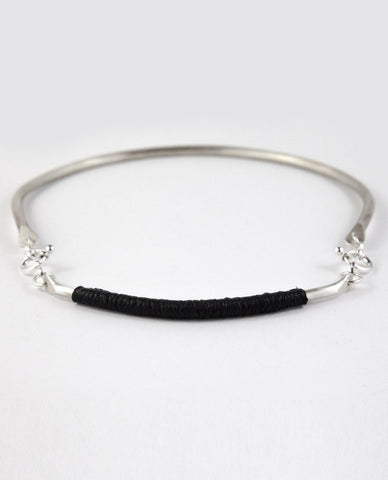 ILLUMINA NECKPIECE - BLACK LEATHER