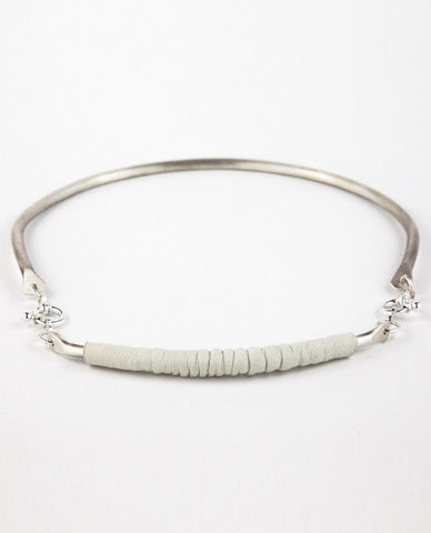 ILLUMINA NECKPIECE - WHITE LEATHER
