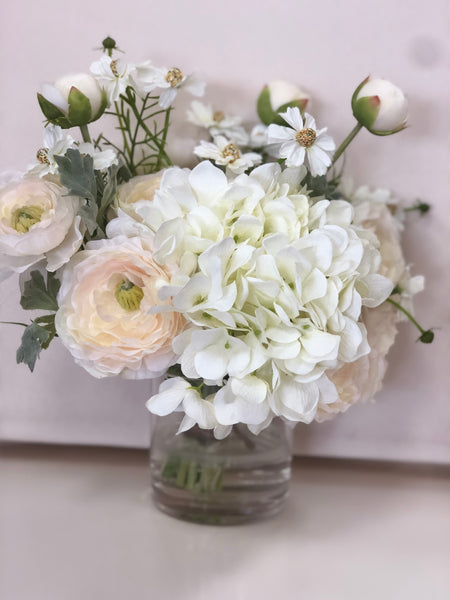 White Lian Flower With Hydrangea GlassBase SetFloral Arrangements and Centerpieces