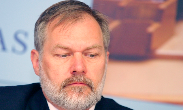 "Antigay Activist Scott Lively Begs For Money As His ""Mostly Elderly"" Base Continues Dying Off"