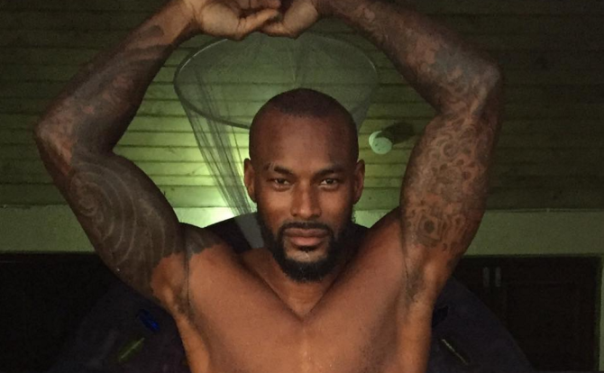 Tyson Beckford Posts Racy Pics, Which Disappear After Complaints (!)