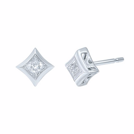 STARRA™ 3/8 CT. TW. DIAMOND STUD EARRINGS