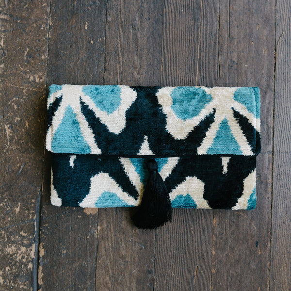 Black And Blue Clover Clutch