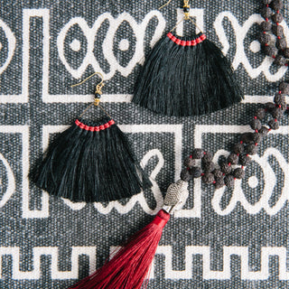 Wide Triangle Fringe Earrings In Black