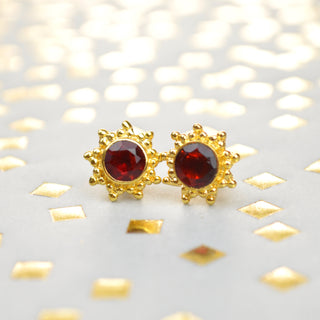 18k yellow gold garnet earrings, post back earrings, lightweight earrings, red gemstone, sun shape earrings