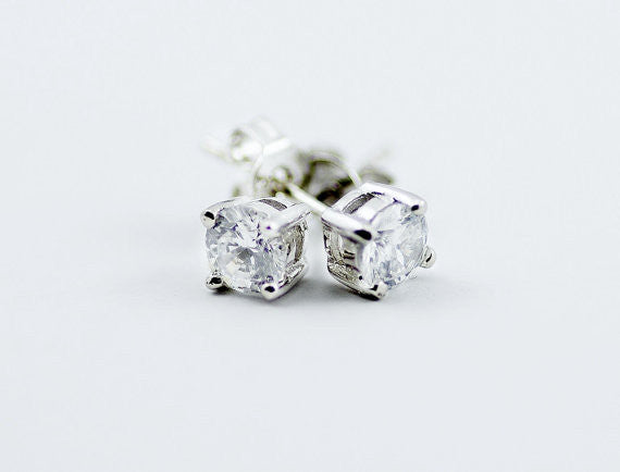 1ct Round Solitaire Stud Earrings in 925 Silver, 4 Prong, Brilliant Cut