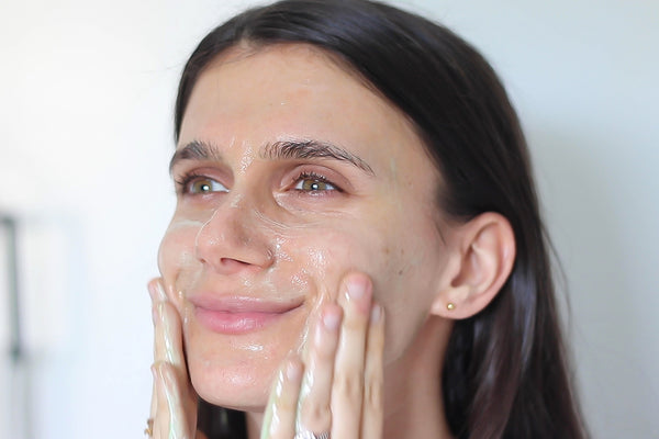 Adi arezzini using the teami gentle superfood liquid facial cleanser