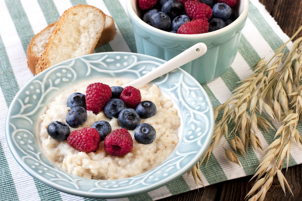 instant oatmeal with fresh berries