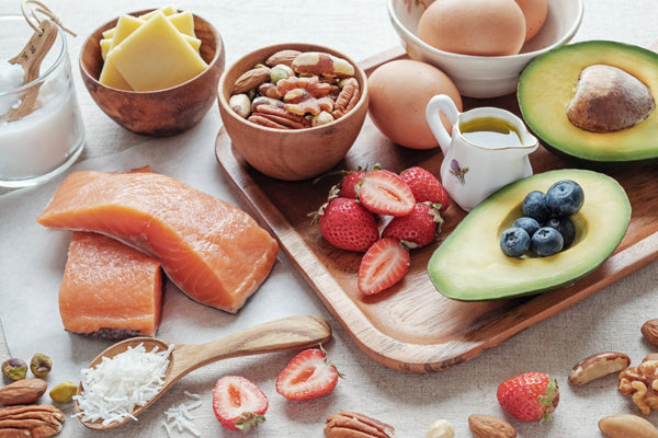 low-carb diet of fruit, nuts, fish and eggs