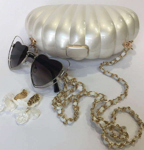 Summer Loving ~ Acrylic pearl shell clutch