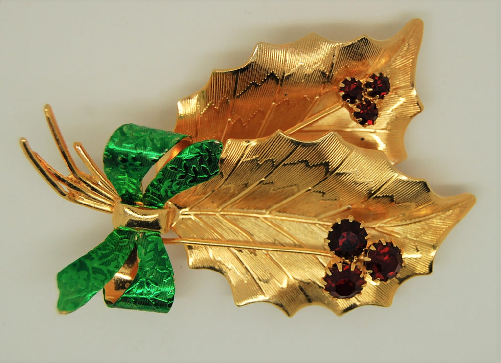 St Labre Christmas Holly Bow and Berries Vintage Figural Brooch