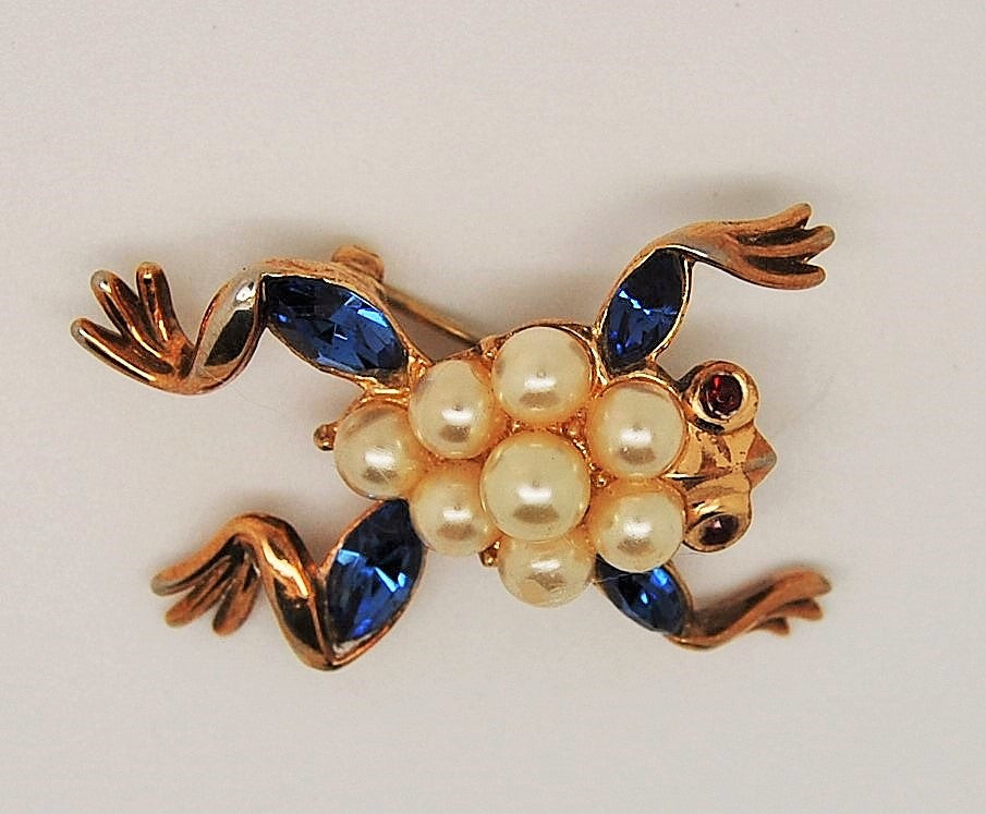 Crown Trifari Alfred Philippe Pearl Park Avenue Frog Figural Brooch 1952 - Mink Road Vintage Jewelry