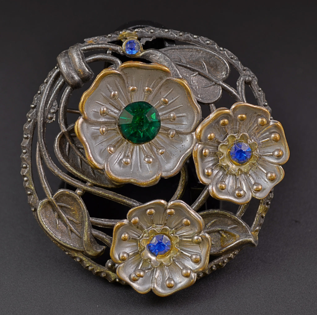 Little Nemo L/N Floral Circle Brooch - Mink Road Vintage Jewelry