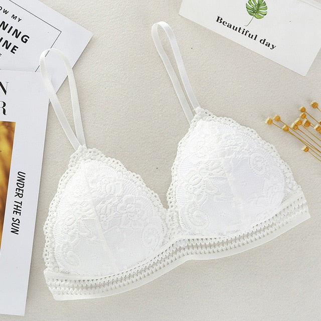 Thin French Style Bralette Lace Wireless Triangle Cup Women Lingerie Soft Bra Seamless Underwear Deep V Girls bra
