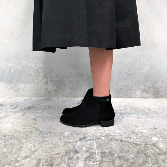 BOOT I LOW TOP BLACK