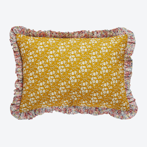 Projekti Tyyny Capel Frill Cushion
