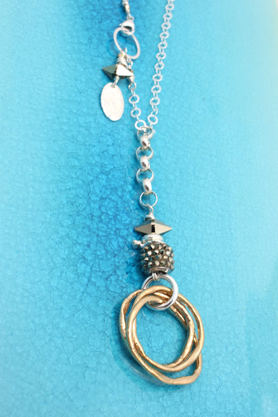 METAL GOLD Lariat Necklace with Entwined Bronze Ring Pendant