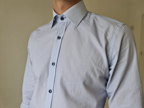 Herbie Frogg White/Blue Dot Tapered fit shirt