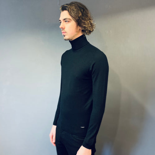 Markup Black Knit Rollneck
